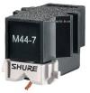Přenoska - přenosková vložka a jehla Shure M44-7- určená pro scratchování (foneticky: skrečování). Šroubuje se na Headshell ramene gramofonu dvěma šrouby.