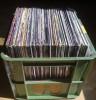 Skladování vinylové desky, přepravka a bedna na desky
