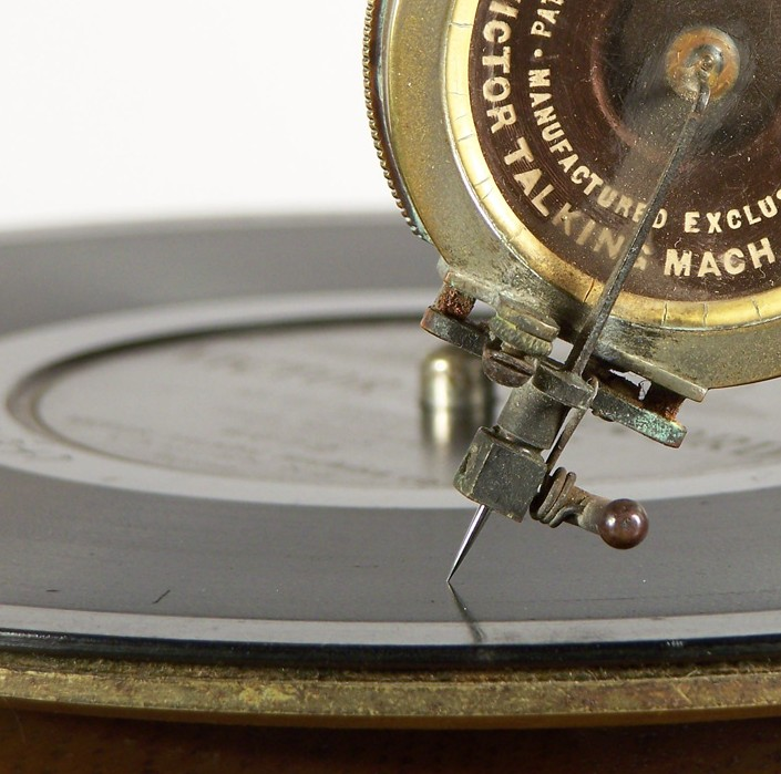 Ocelová jehla na gramofon na kliku. Jehla z oceli na šelakové desky.