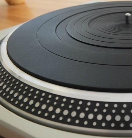 Podložka-guma na gramofon pod desky. Gumový slipmat pod talíř gramofonu