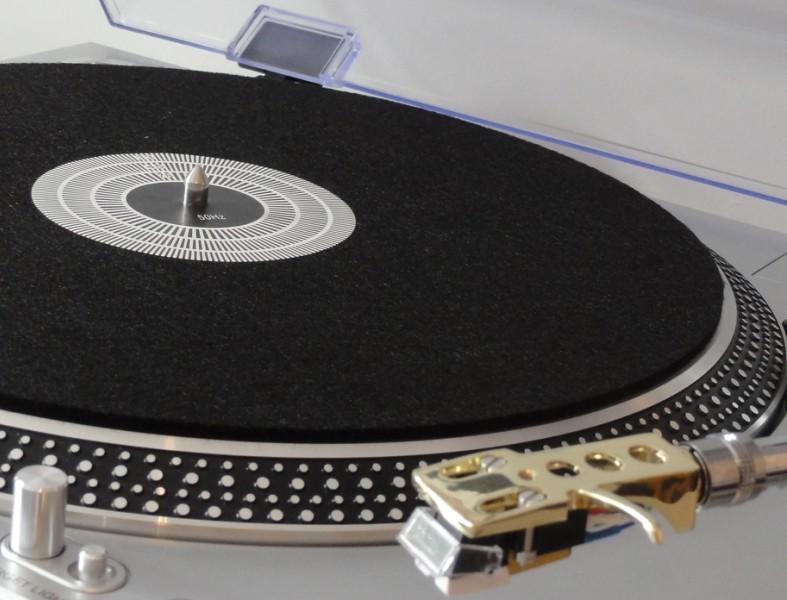 Slipmat filc na gramofon. Filcový slipmat pro dj, mix, scratch.
