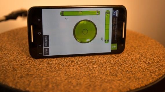 Virtuální vodováha na vyvážení gramofonu do roviny. Softwarové řešení vyvážení gramofonu v mobilním telefonu