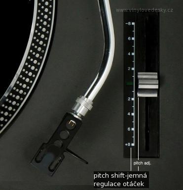 """DJ gramofony a """"pitch shift"""", """"pitch adjust"""" regulace otáček talíře gramofonu. Táhlem lze jemně měnit rychlost otáčení gramofonu."""