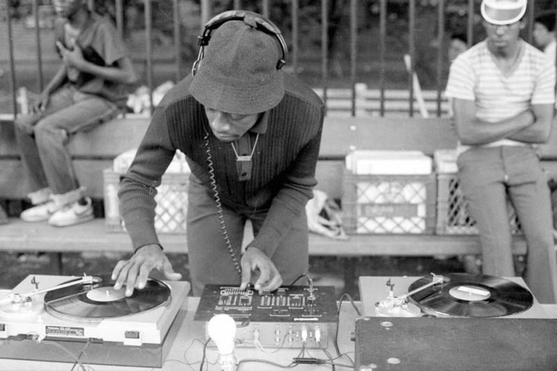 Hip hop desky, DJové, DJing, gramofony, old school