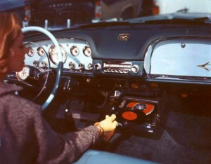 gramofon do auta