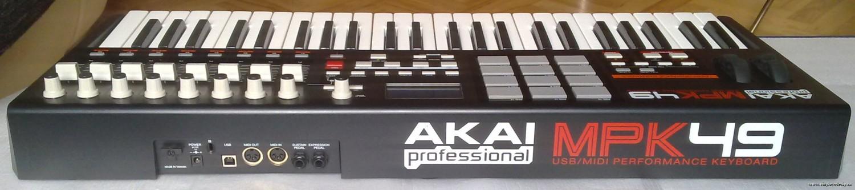 AKAI-MPK 49-MIDI-USB-kontroler-master-keyboard-vstupy-vystupy
