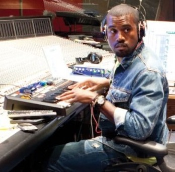 Akai-mpk-49-Kanye-West-profi-studio-producer-equipment