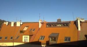Pronájem bytu Praha, výhled z pokoje č.2, směr sever na Smíchov, Ladronka, Strahov.