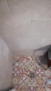 chata k pronájmu u vody, wc sprchový kout, Jesenice přehrada